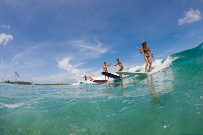 Roxy Team Surfing